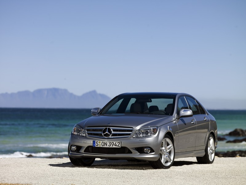 Mercedes benz usa sales fall more than 35 in january for Mercedes benz us