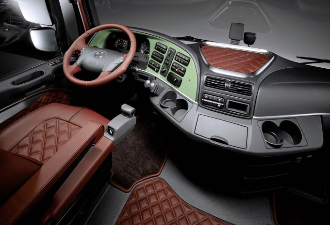mercedes benz actros voted truck of the year 2009. Black Bedroom Furniture Sets. Home Design Ideas