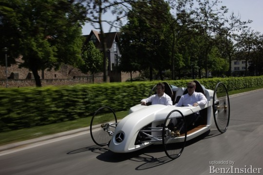 mercedes benz daimler ag trainees build an f cell roadster bertha benz 07 540x359 Mercedes Benz F CELL Roadster on the historic route of Bertha Benz