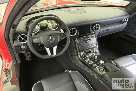 244626 540x360 2010 Mercedes SLS AMG interior and parts pictures