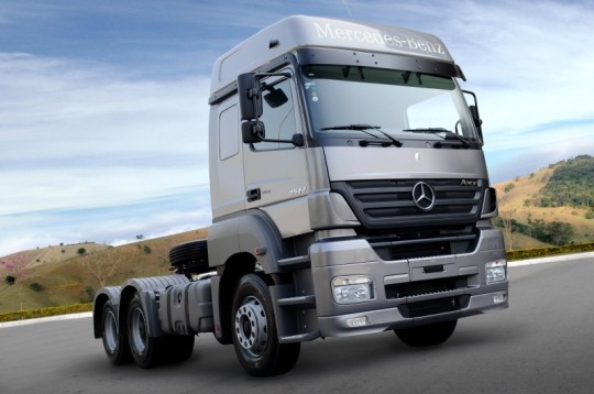 mercedes benz brazil celebrates sales record one million trucks sold 540x358 Mercedes Benz Brazil celebrates sales record   1 million trucks sold