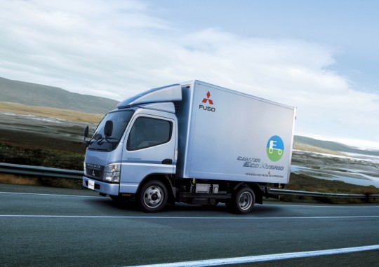 fuso delivers series production hybrid trucks to europe for the first time 540x381 Fuso delivers Series production Hybrid Trucks to Europe For the First Time
