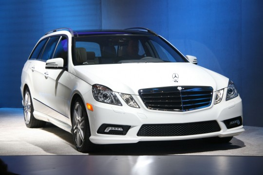01 2011 e class wagon us 540x359 New York 2010: The new E350 4Matic Wagon