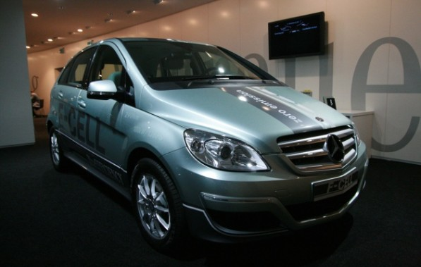 mercedes f cell 597x379 Toyota and Daimler: Possible Venture For Fuel Cell Technology
