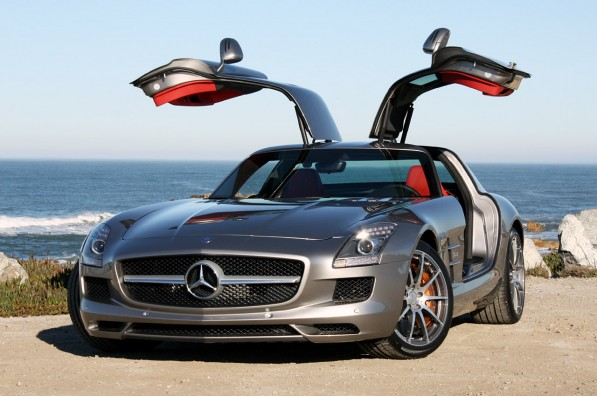08 mbsls63amgfd 597x396 SLS AMG Design Originally Developed for Dodge Viper