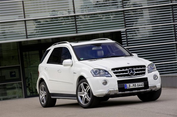 ML 63 AMG gets a new look07 Custom 597x397 Mercedes Benz ML 63 AMG gets a new look