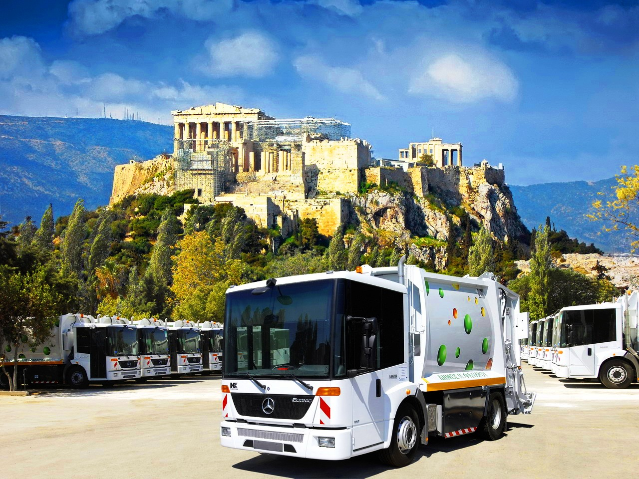 athens-chooses-the-ecofriendly-mercedes-benz-econic-ngt