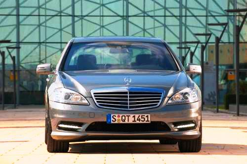 677853193452376857 New BlueTEC engine and cutting edge safety systems for the S Class