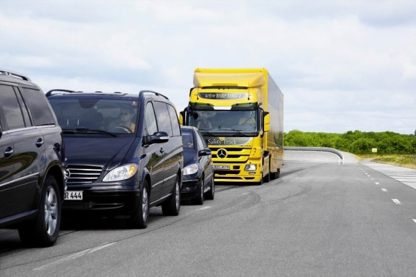 mercedes benz actros gets upgraded safety 22513 2 597x398 Active Brake Assist 2 System Bags FuturAuto Award
