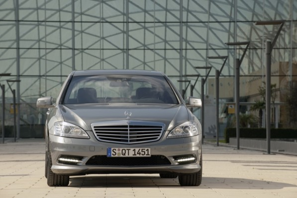 mercedes benz s 350 bluetec now available 22092 1 597x397 New Mercedes Benz S 350 BlueTEC Out In The Market