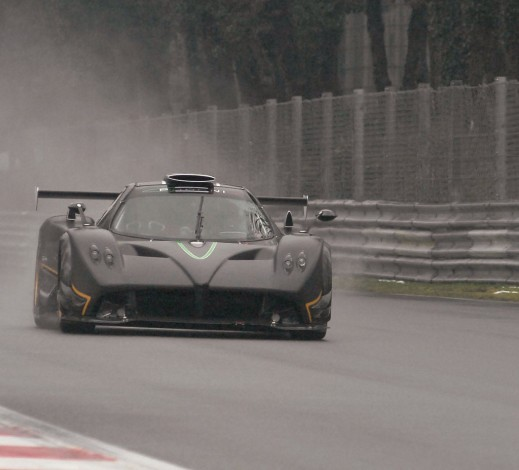 pagani zonda r smashes nurburgring record 21925 1 519x470 Pagani Zonda R is the New Nurburgring God