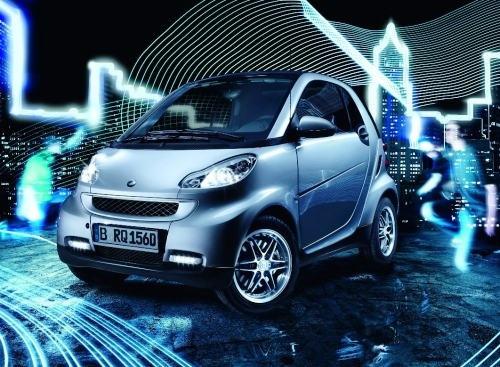 smart fortwo limited silver edition launched 22557 1 Smart Limited Silver Edition as palate appetizer
