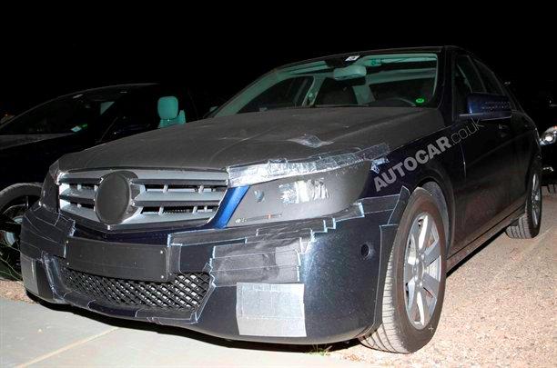 Mercedes-Benz-2671010320489711600x1060