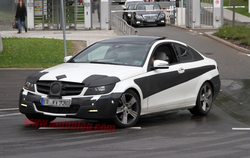 02-2011-m-b-c-class-coupe-cp-sept