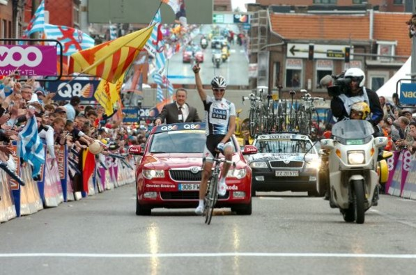 1 andy schleck wins 1 597x395 Tour de France 2011 sponsorship on its way