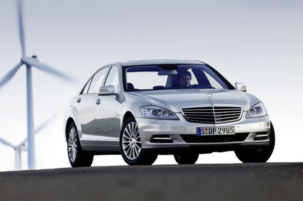 2011 mercedes benz s klasse gets new engines 24669 1 597x397 New engines for flagship S Class models
