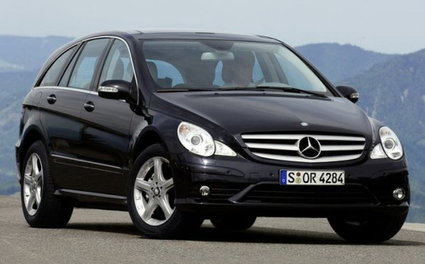 mercedes benz r class 597x372 GM nominates the R Class for North American Car of the Year