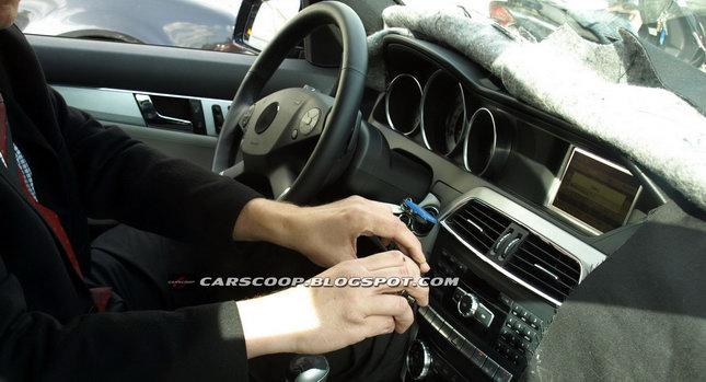 2011-Mercedes-C-Class-Estate-01