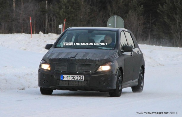 2011_mercedes_benz_b_class_spy_photos_spy_shots_01-4b77a53aee758-615x350