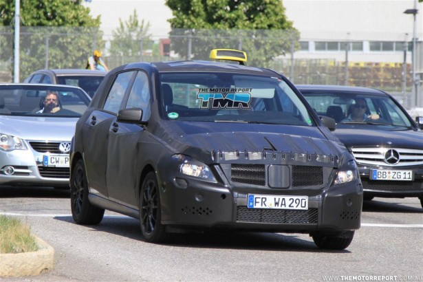 2011_mercedes_benz_b_class_spy_photos_spy_shots_taxi_version_03-4c50b26cbf8f4-615x350