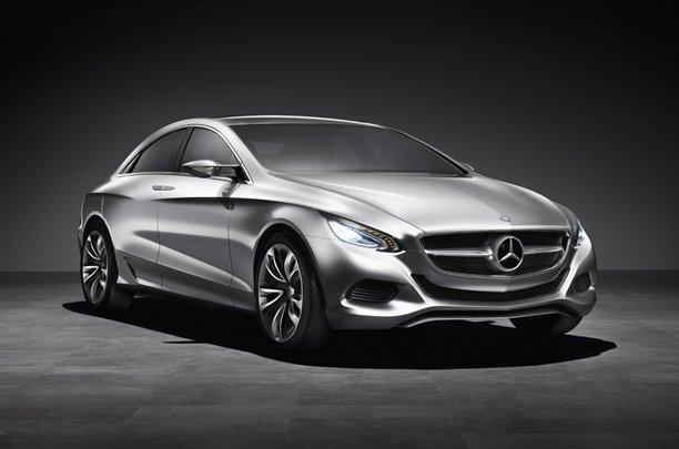 Mercedes-Benz-1621010232314251600x1060