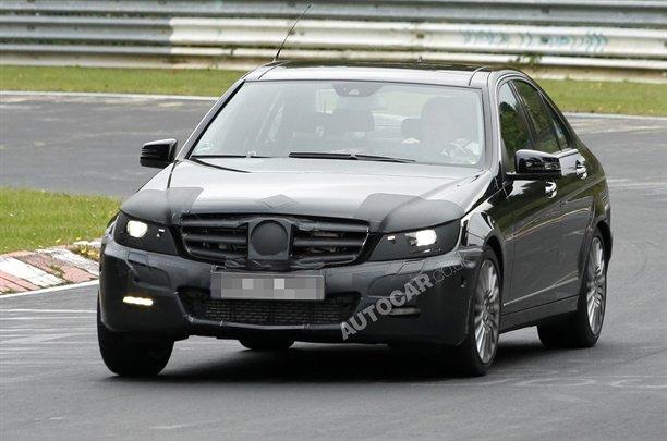 Mercedes-Benz-61010101259242231600x1060