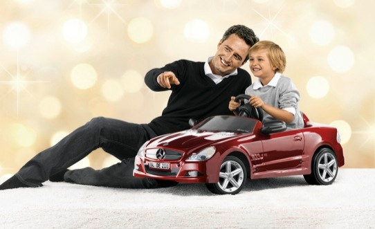 mercedes-benz-2010-christmas-collection-launched-25234_1