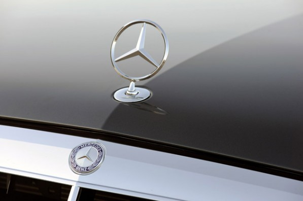 mercedes benz emblem 630 597x396 Mercedes Surpasses Lexus As Top U.S. Luxury Automaker