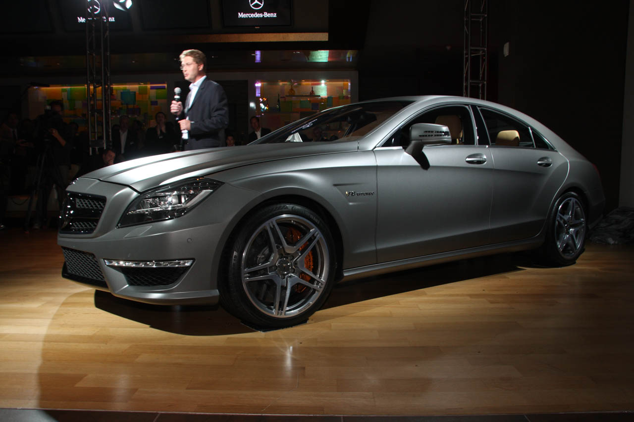 test benz front amg trend en first to advertisement quarters news skip motor three mercedes