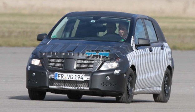 2011_mercedes_benz_b_class_spy_photos_spy_shots_11-4cca2fb763c4a-625x360