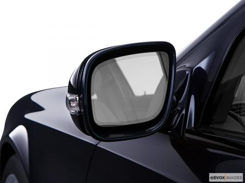 5584 131 driver side mirror front view 480 Mercedes Benz Vehicles A Target For Mirror Thieves