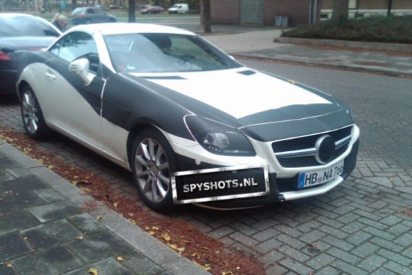8 10R172 SLK NETHERLAND 597x398 Spy photos of the 2011 SLK