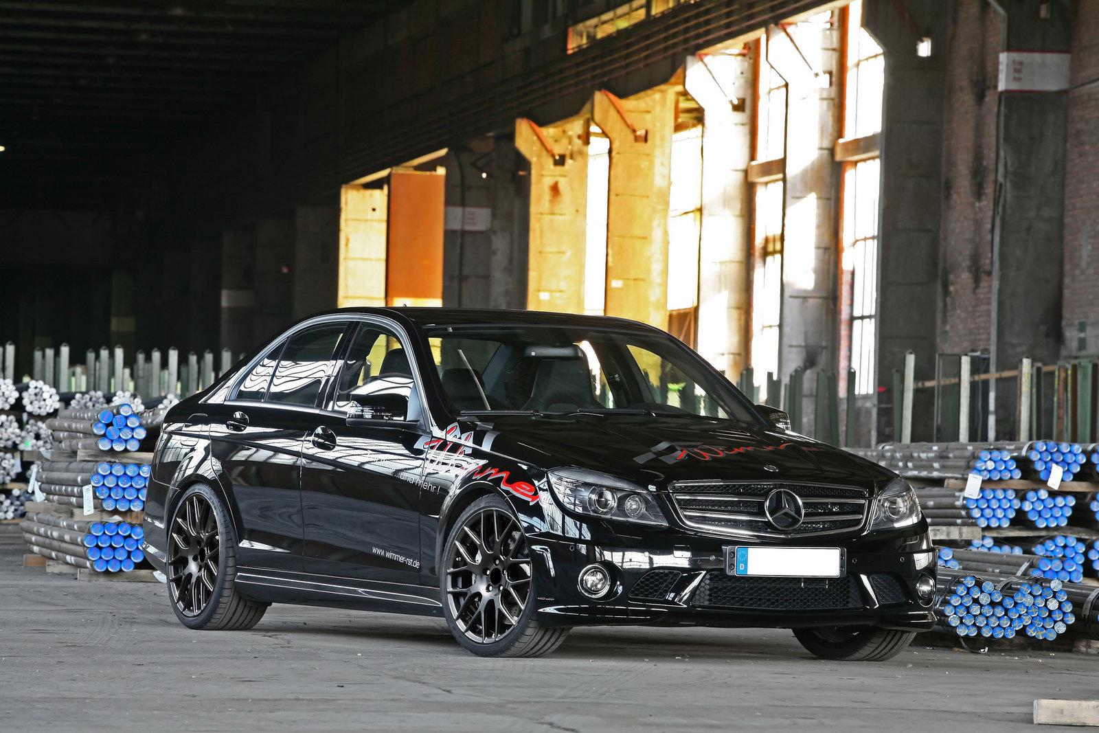 Mercedes-AMG-C63-1
