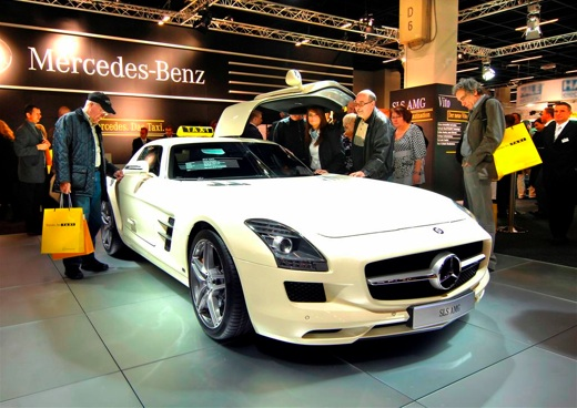 merc1 Mercedes Benz Showcases the Fastest Taxi in the World