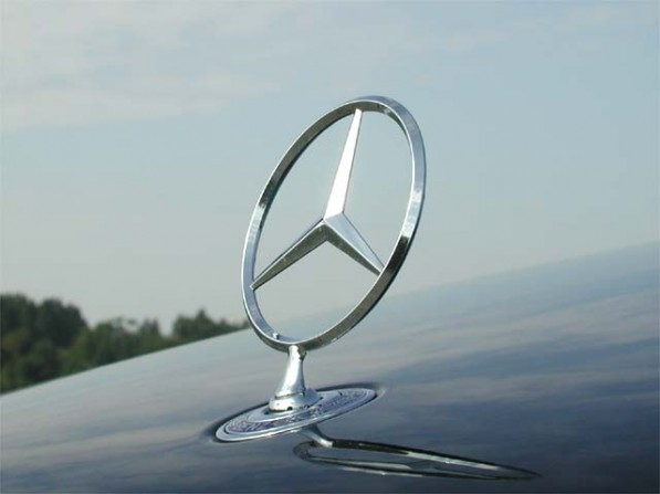 Benz Emblem 597x447 Mercedes Benz Rides Chinese and US Demand, Gets 15.3 Percent Sales Growth
