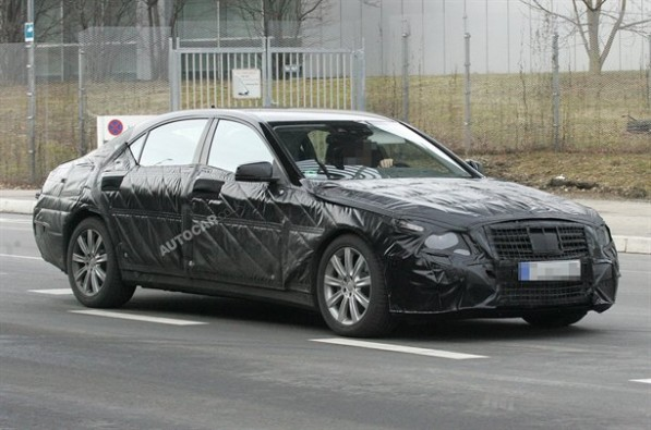 New SClass Spyshots 02 597x395 New Mercedes Benz S Class Spy Shots