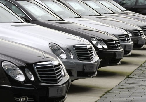 daimler helps japan Daimler Pitches in EUR 2 Million for Japan