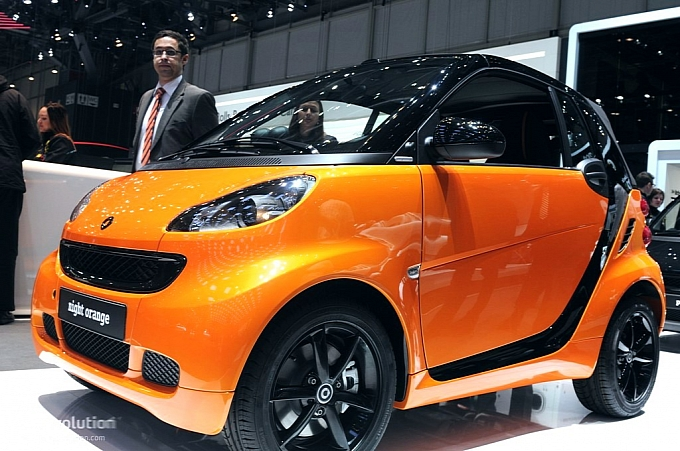 smart fortwo nightorange 01 Smart Fortwo Nightorange Graces Geneva Motor Show