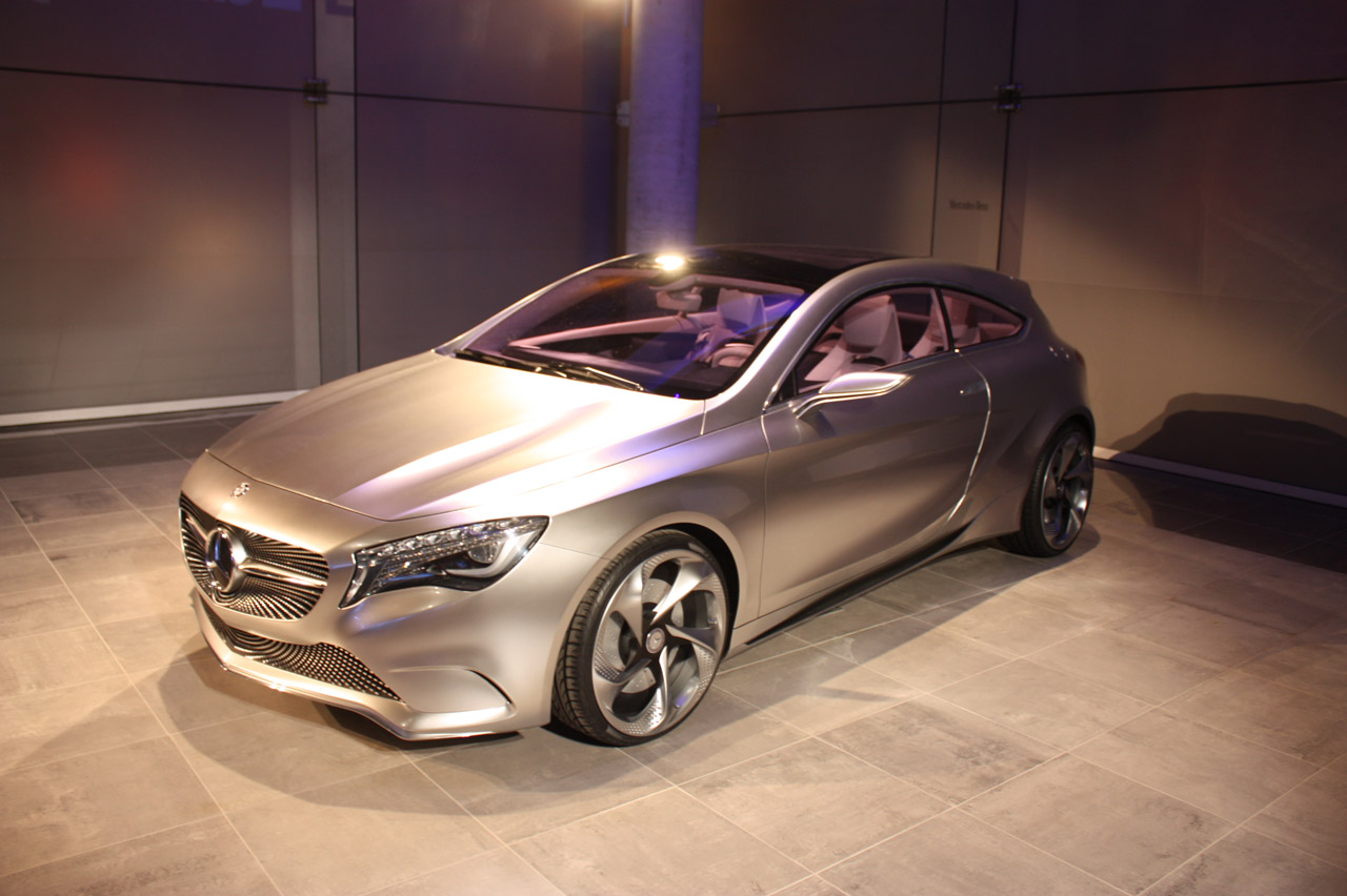 002-mercedes-benz-concept-a-new-york-2011