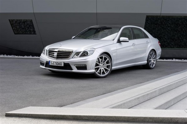 831216 1536553 7512 4992 11C373 05 Custom 597x396 The E 63 AMG with new AMG 5.5 litre V8 biturbo engine