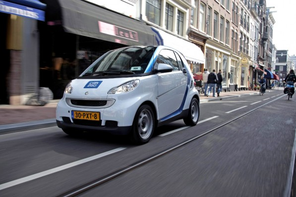 car2go turns electric in amsterdam 34062 1 597x398 Car2go is good to go in Amsterdam
