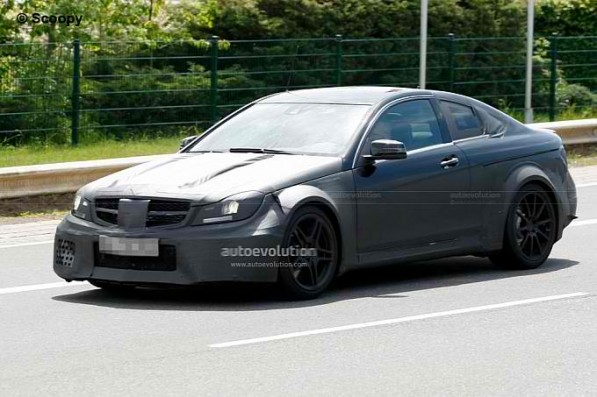 C63 Coupe AMG Black Series 597x397 Spied: The C63 AMG Coupe Black Series