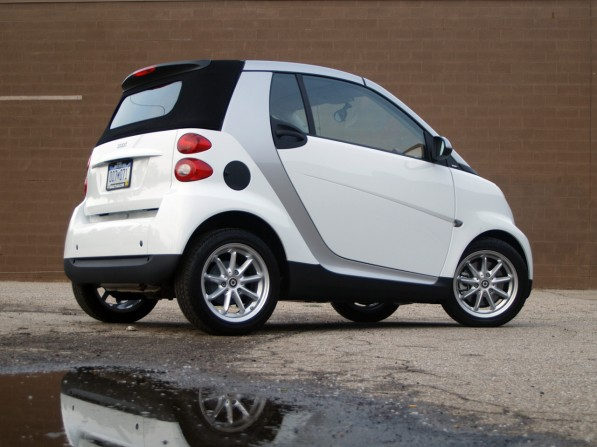 smartfortwo review001 597x447 New Smart Team To Revive Subcompact Brand