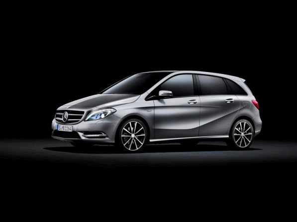 11C760 32 Large 597x447 Official: The New Mercedes Benz B Class
