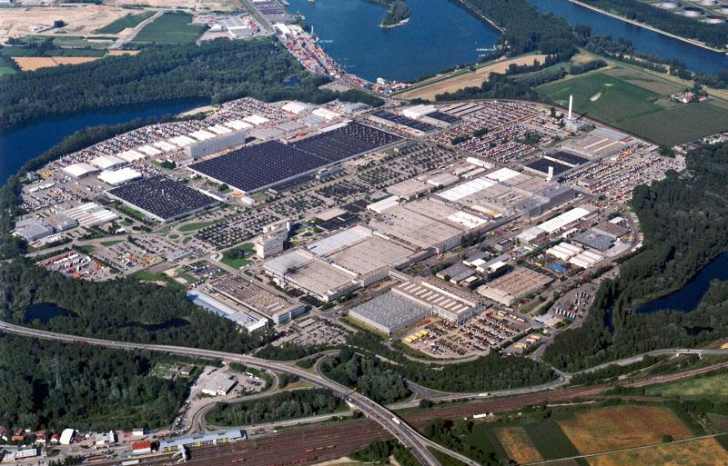 Mercedes Benz Plant in Worth Hires Additional 1000 People Mercedes  Benz Plant in Wörth Hires Additional 1,000 People