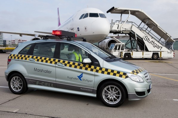 mercedes b klasse f cell guiding aircrafts 37970 1 597x397 B Class F Cell Finds Calling At Stuttgart Airport