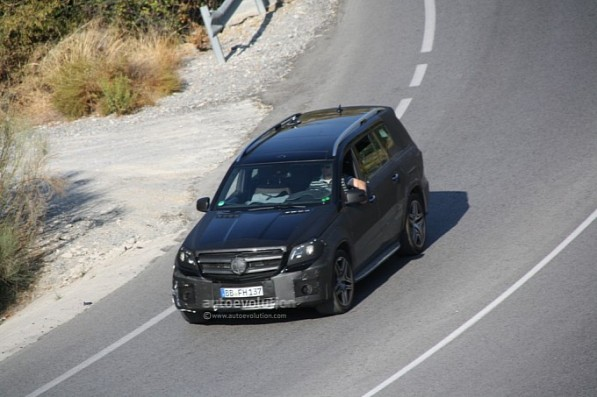 spyshots 2013 mercedes benz gl63 amg medium 2 597x397 2012 GL63 AMG Spied During Testing