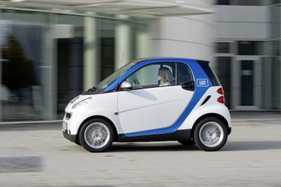 11A10812 Car2go to Launch in Lyon France in 2012