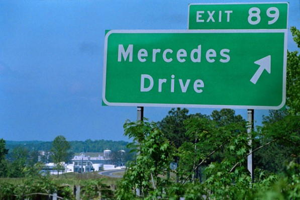 mercedes benz drive sign tuscaloosa 597x398 Mercedes Benz Executive Arrested in Alabama
