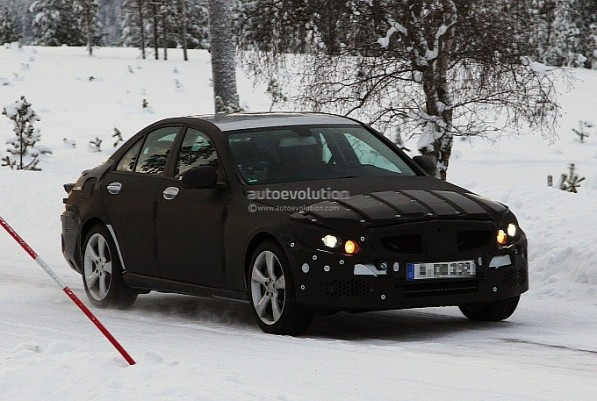 2014 Mercedes C Class Spied on its First Winter Testing2 597x401 2014 Mercedes C Class Spied on its First Winter Testing